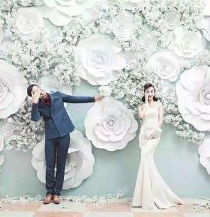 esküvői kreatív fotóhátterek - papír virágfal 2