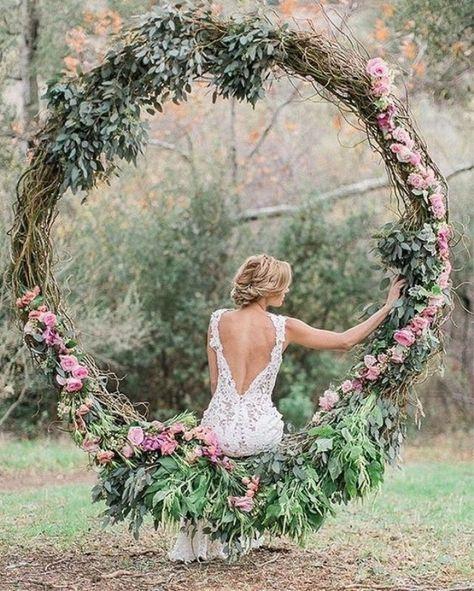 esküvői kreatív fotóhátterek - bohém erdei kör