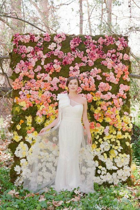 esküvői kreatív fotóhátterek - kerti virágfal