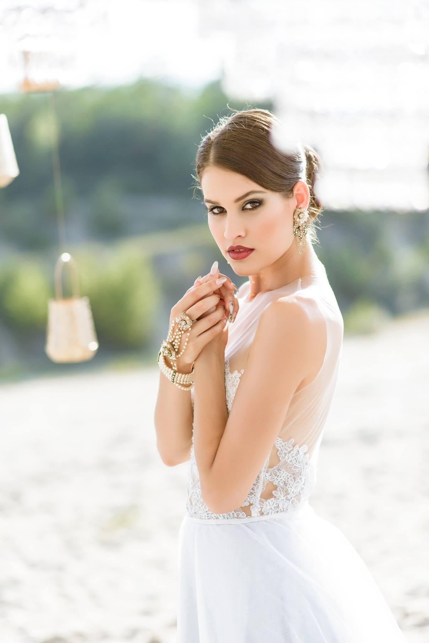 Nagy Ágota - Oázis menyasszonyi ruha - karkperec