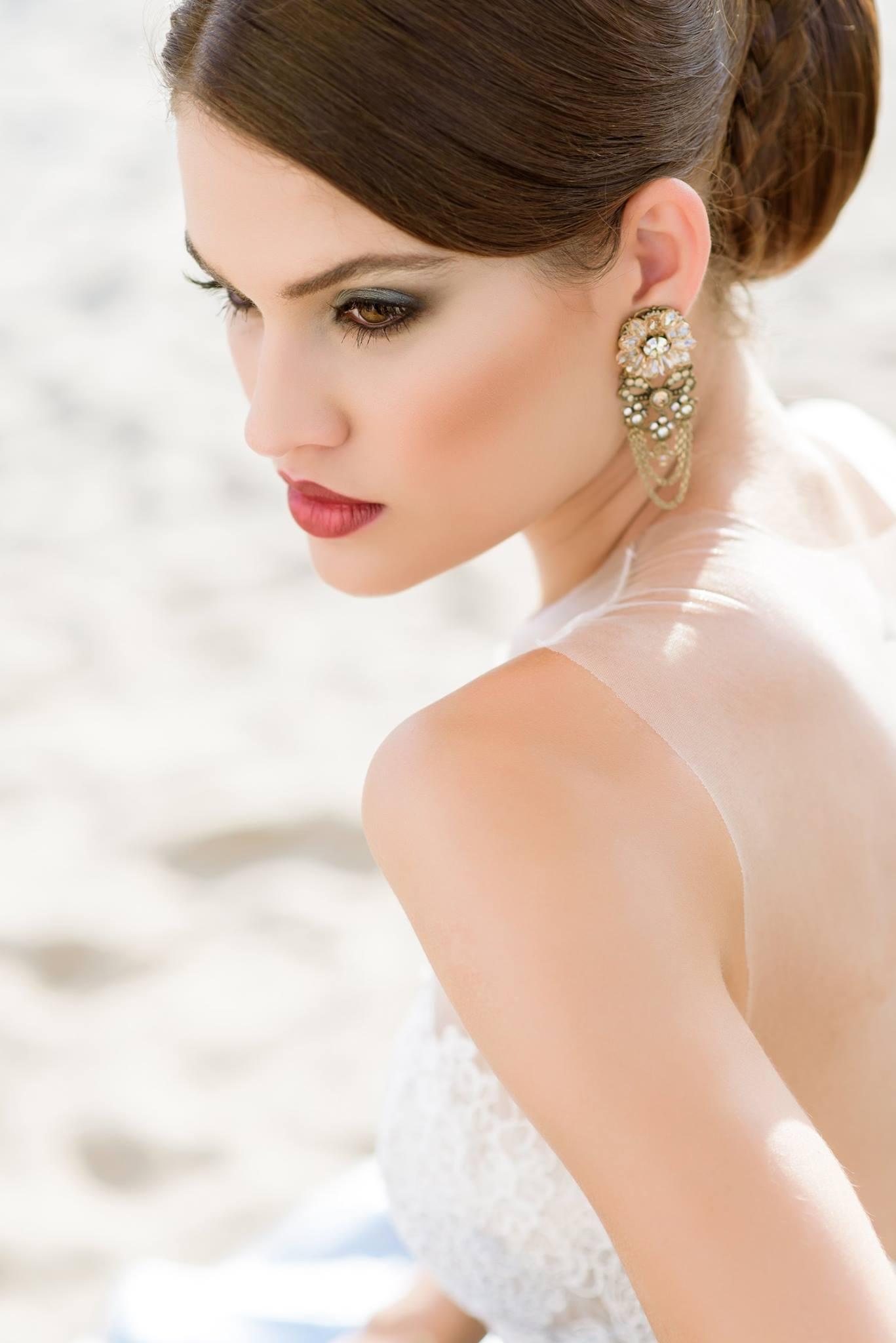Nagy Ágota - Oázis menyasszonyi ruha - haj