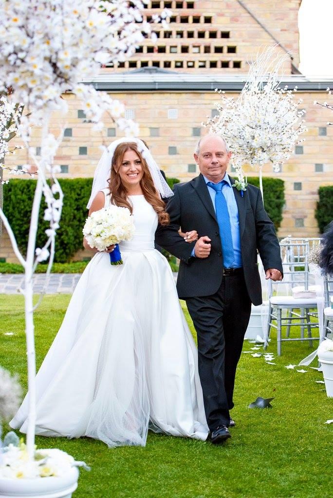 Borzi Vivien esküvő - bevonulás