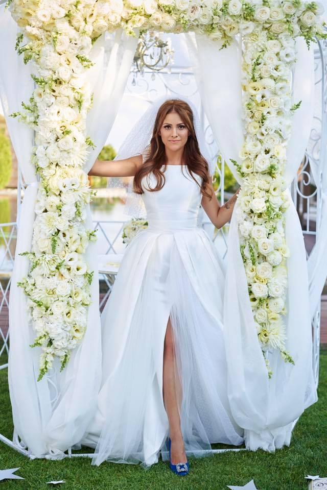 Borzi Vivien esküvő - menyasszonyi ruha
