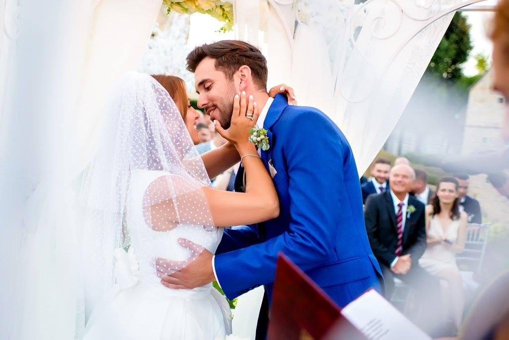 Borzi Vivien esküvő - első csók