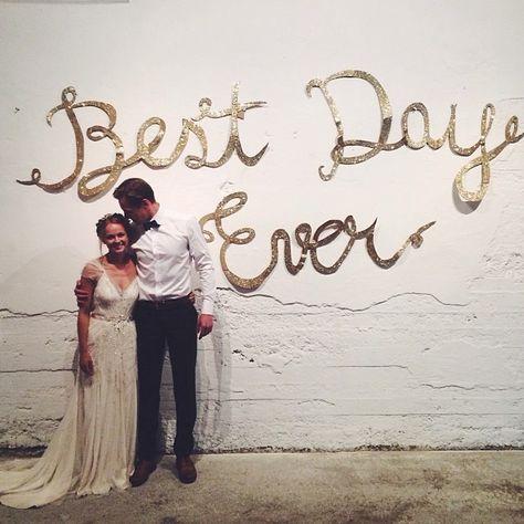 esküvői kreatív fotóhátterek - felirat best day ever 2