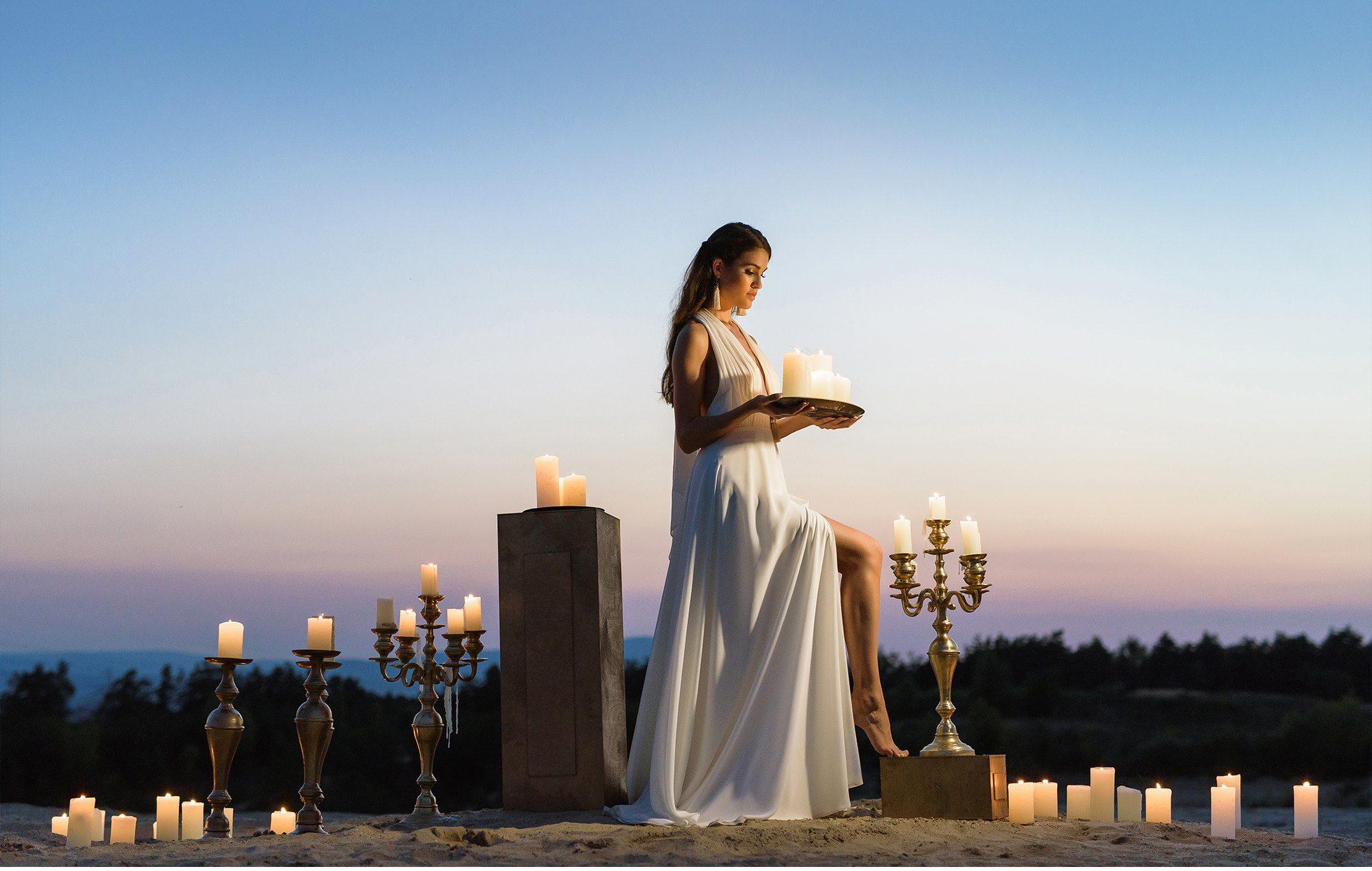 Nagy Ágota - Oázis menyasszonyi ruha kivágott gyertyák 3