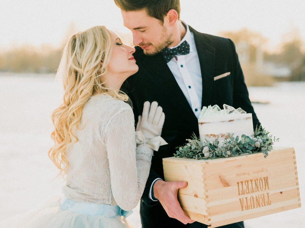 Téli esküvő inspiráció a Balaton jegén a Happily Ever Weddings oldalán 16002cd85a