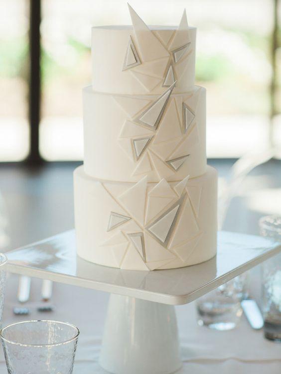 ef54f46dd1 Happily Ever Weddings Budapest - Inspiráió, 10 különleges esküvői torta